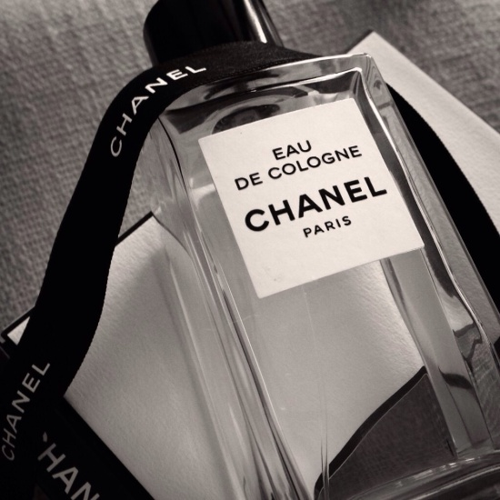 Eau de Cologne by Chanel B/W © 2014 Liam Sardea